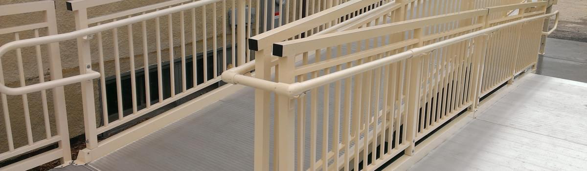 Aluminum switchback ramp with powder coating